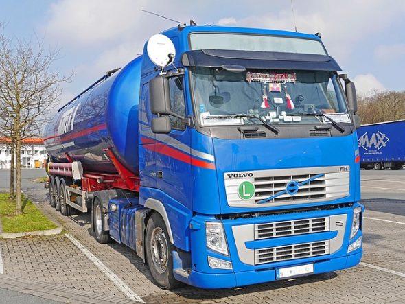 tank-truck-1388933_640